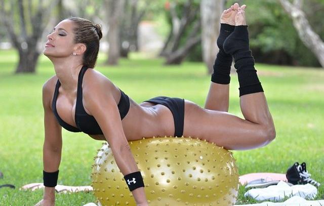 упражнения для сжигания жира в зоне подмышек