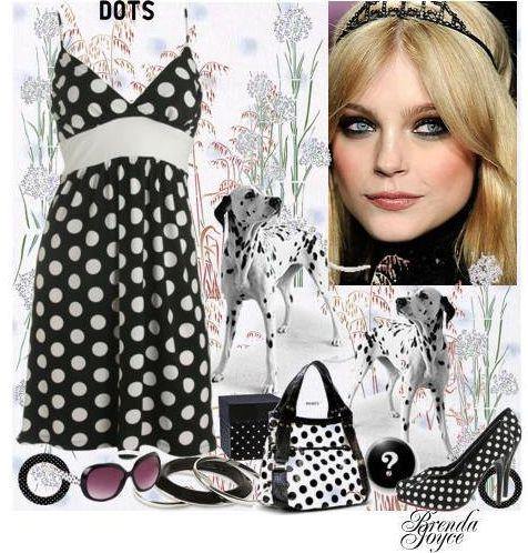 Черное платье в белый горошек